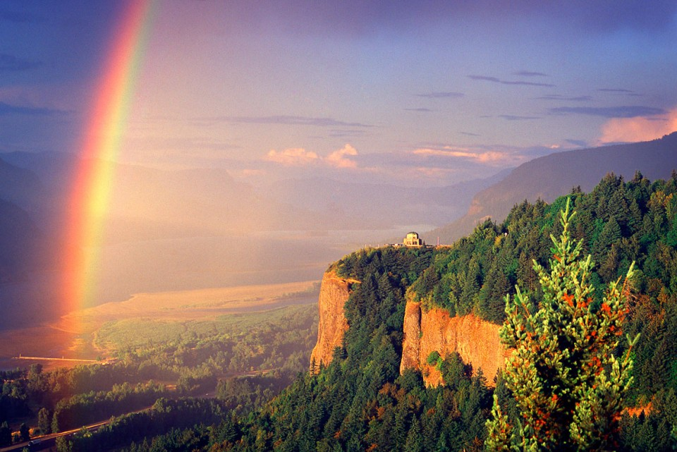 Crown Point Rainbow | © Jonathan McIntyre Photography